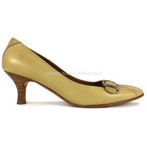 c90eb50eb23 Salvatore Ferragamo Shoes - Salvatore Ferragamo Italy Round Toe Kitten Heel